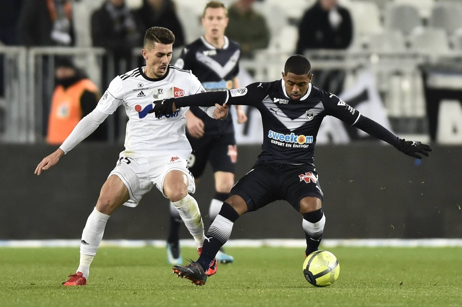 Den Ball eng am Fuß: Bordeaux-Star Malcom (r.) in Aktion. (Quelle: Panoramic/imago)