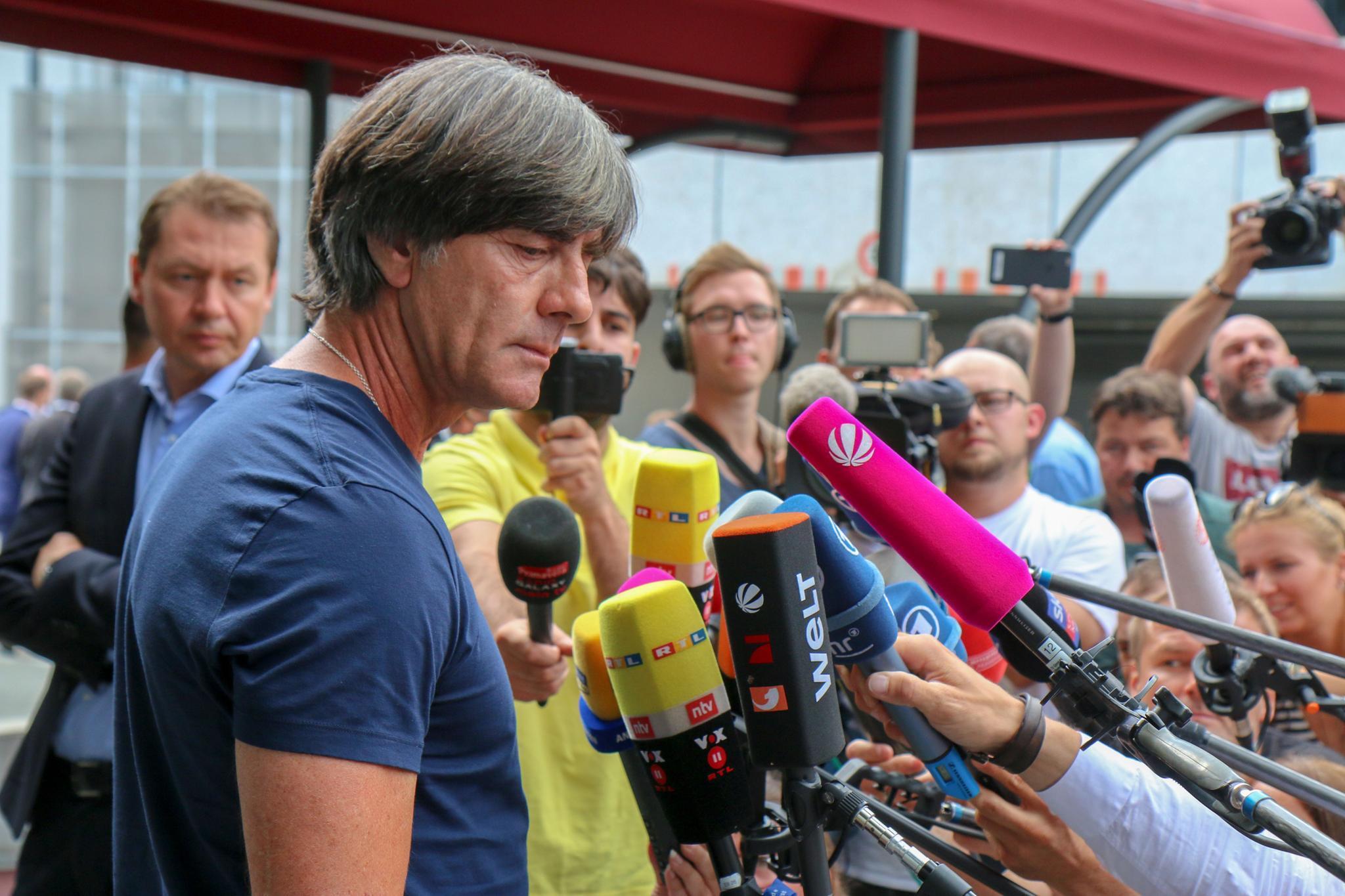 DFB-Team bei Rückkehr niedergeschlagen