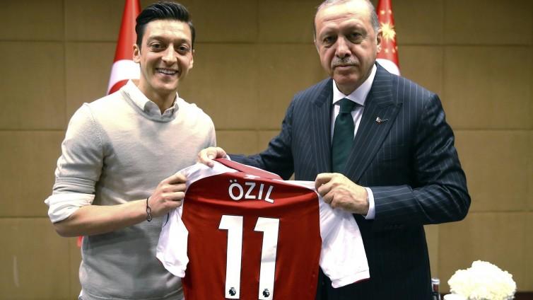 """Özil: """"Ich würde es wieder machen"""